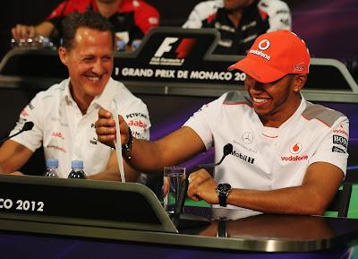 Михаэль Шумахер и Льюис Хэмилтон на пресс-конференции в среду на Гран-при Монако 2012