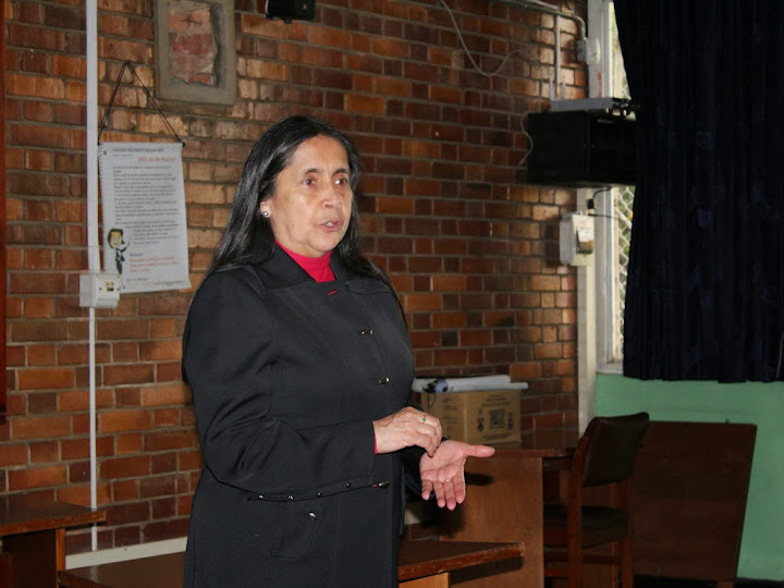 Mensaje de opinión a cargo de la profesora Clemencia Vanegas del 10 de diciembre de 2017
