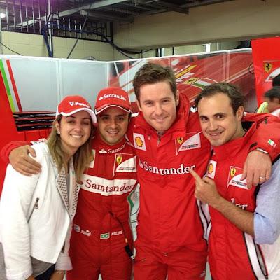 Фелипе Масса с женой и братом вместе с Робом Смедли на Гран-при Бразилии 2012