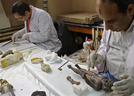More Stuff: Egypt seizes hoard of looted antiquities