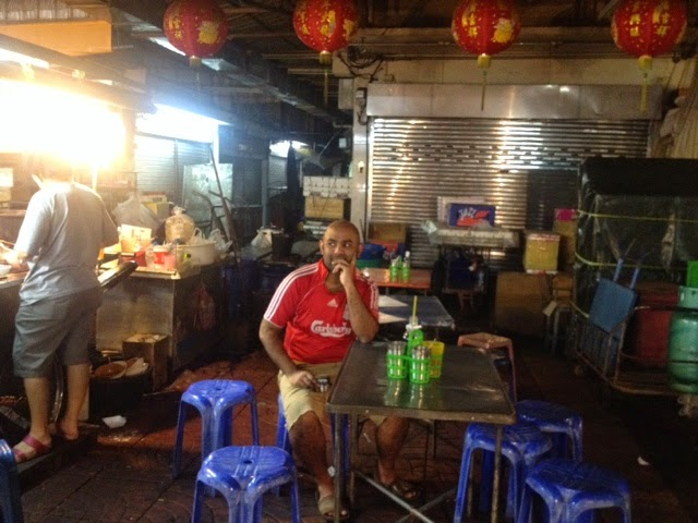 Eating outdoors in Thailand