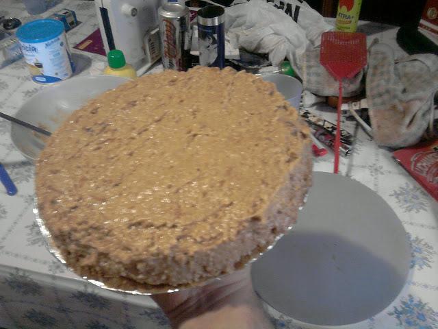 Tarta de galleta y leche condensada.