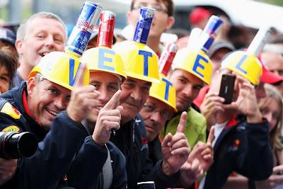 болельщики Себастьяна Феттеля и Red Bull на Гран-при Бельгии 2012