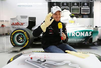 Нико Росберг дает интервью RTL на Гран-при Кореи 2012