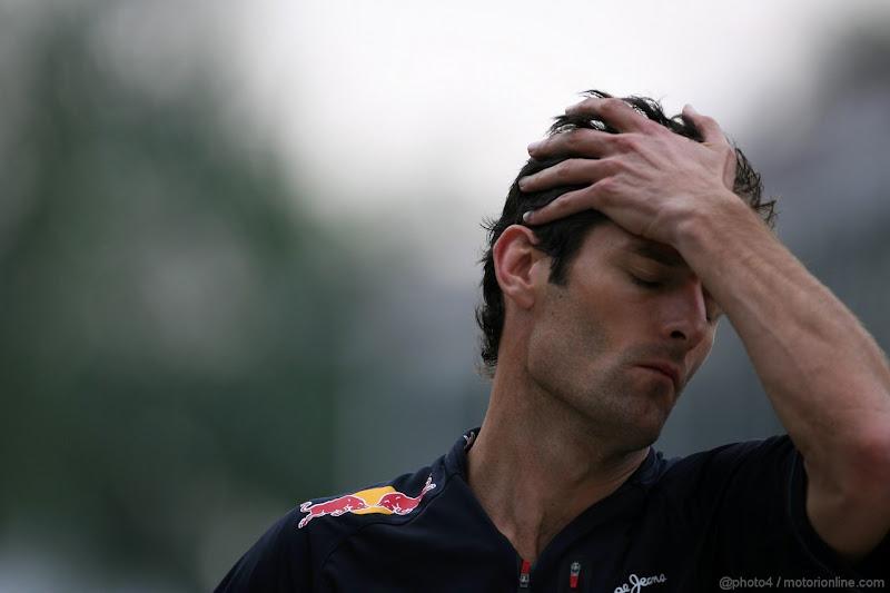 Марк Уэббер фэйспалмит на Гран-при Малайзии 2012