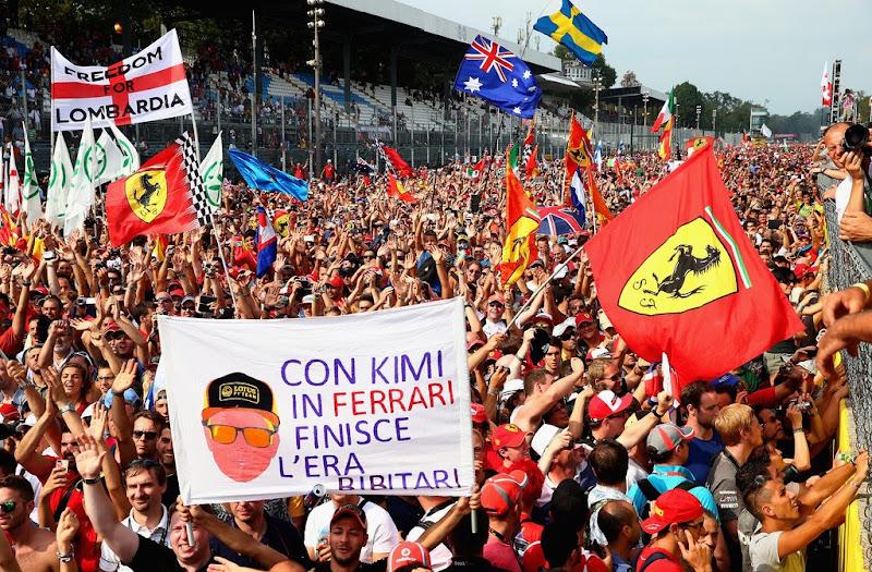 баннер болельщика в поддержку перехода Кими Райкконен в Ferrari на Гран-при Италии 2013