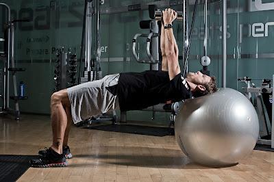 фотосессия Дженсона Баттона в спортзале 2013