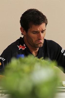 Марк Уэббер not bad во время интервью на Гран-при Бахрейна 2012