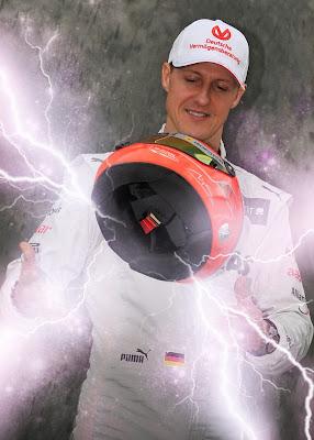 магические трюки Михаэля Шумахера со шлемом на Гран-при Австралии 2012 - фотошоп @alpha_eridani