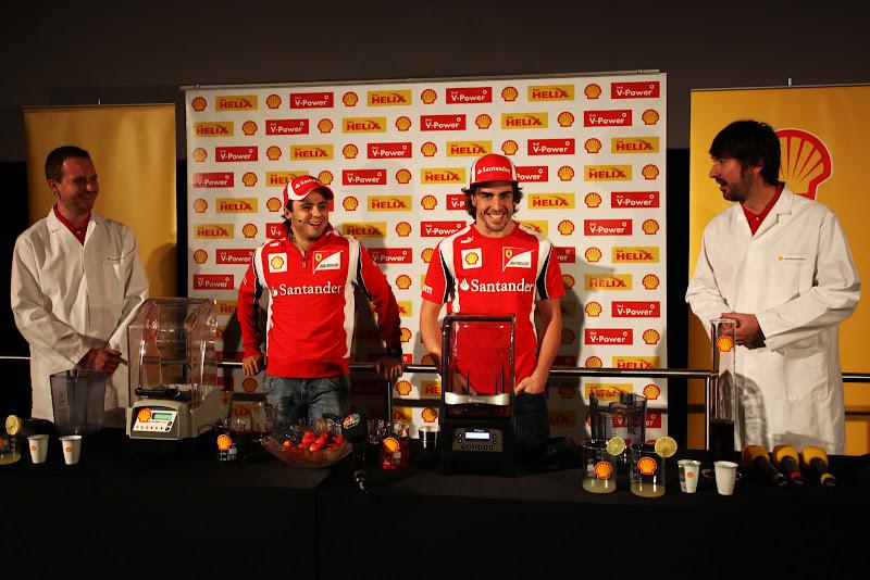 Фелипе Масса и Фернандо Алонсо на спонсорском мероприятии Shell на Гран-при Абу-Даби 2011