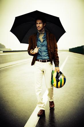 фотосессия Бруно Сенны с зонтиком для журнала Sport & Style