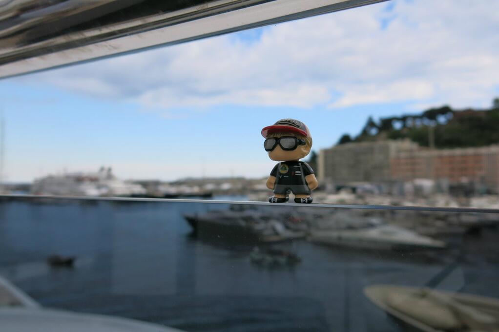 МиниКими Райкконен на своей яхте на Гран-при Монако 2013