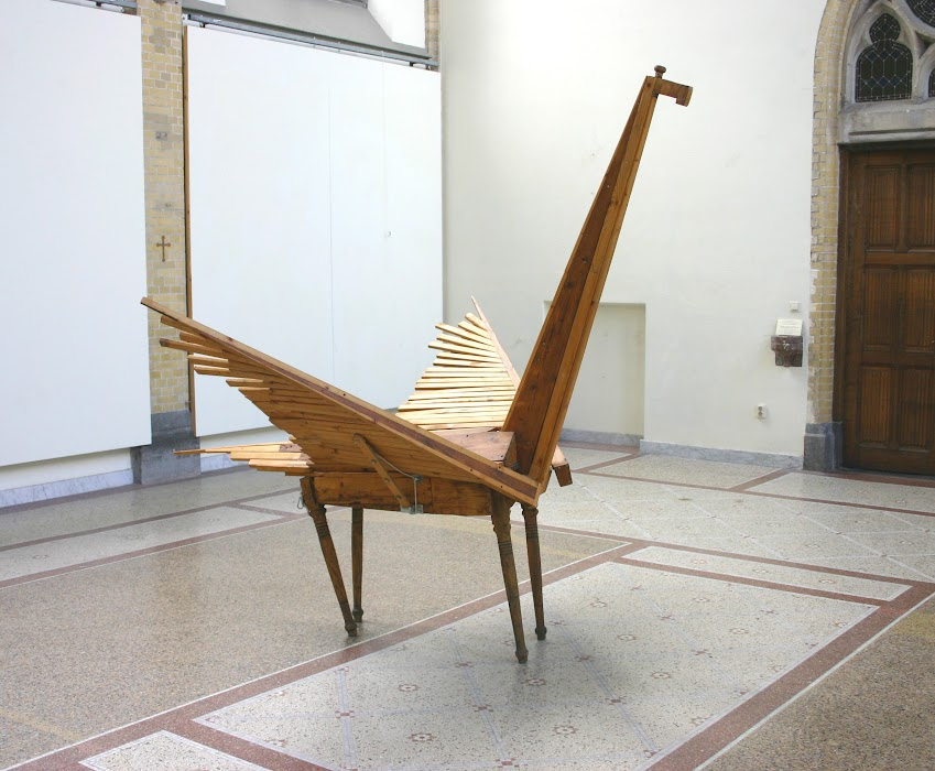 pegasus (sculpture by frank waaldijk, half-front, right)
