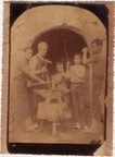 Taller artesanal-D.Gabriel Rocamora Castaños.Año 1890 -Familia de músicos-(Biblioteca Municipal de Catral).