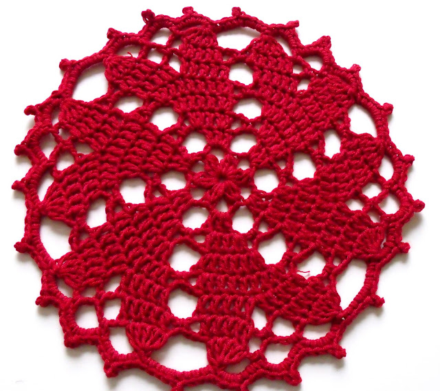 free crochet patterns, hearts, doily,