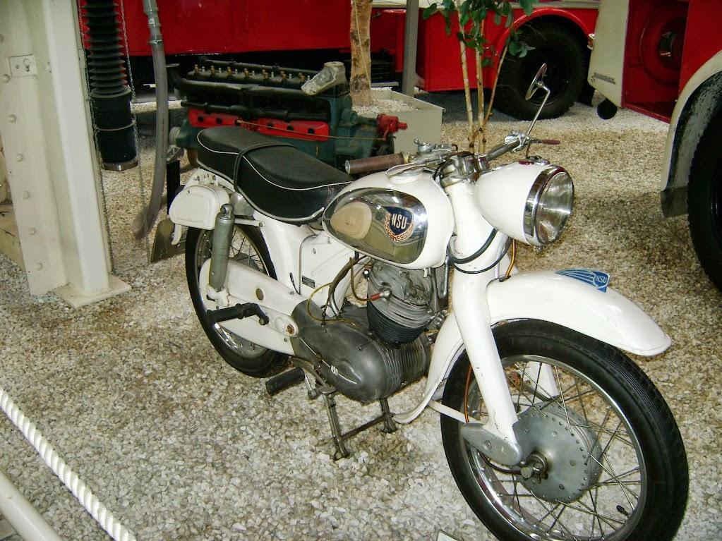 NSU war einmal eine bekannte deutsche Motorradmarke. Die Drei Buschstaben stehen für Neckarsulm