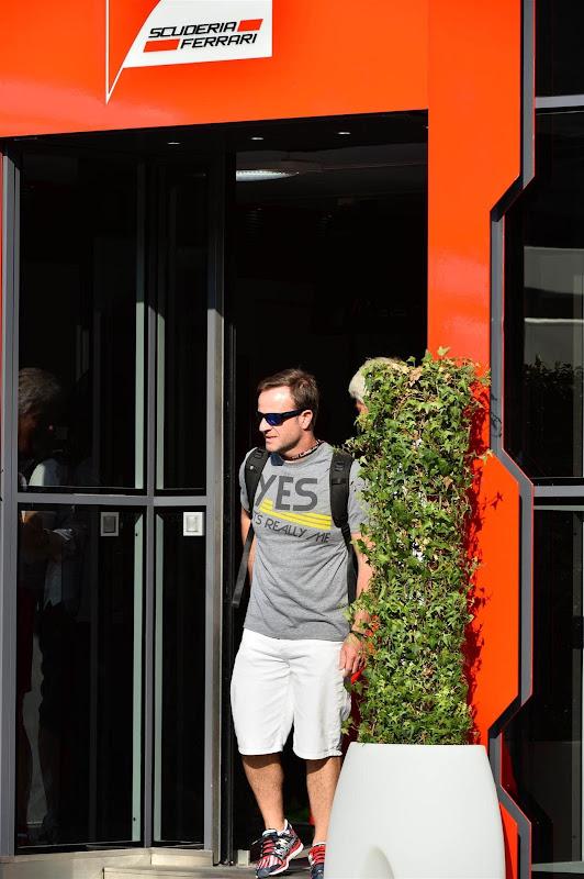 Рубенс Баррикелло в футболке «Да, это правда я» на Гран-при Италии 2013