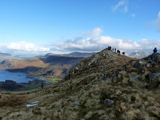 A crowded top ... Blea Crag