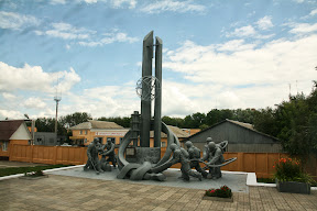Spomenik černobilskim vatrogascima