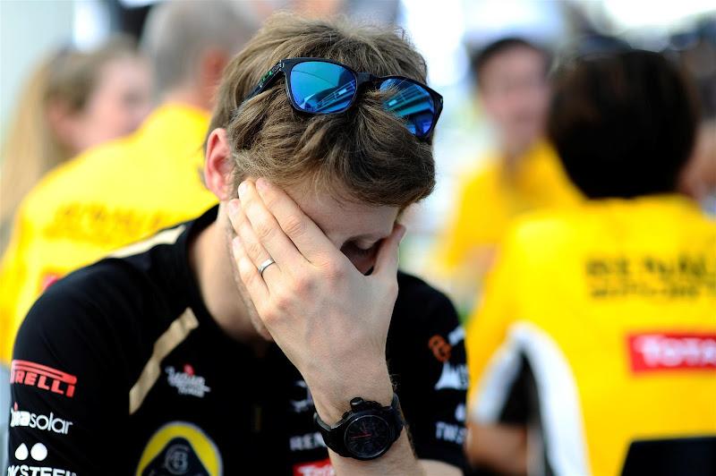 Ромэн Грожан фэйспалмит на Гран-при Бразилии 2012