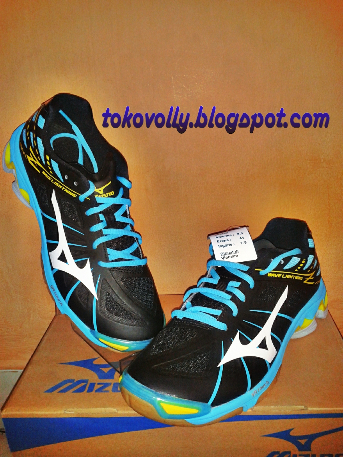 ... volly terbaru Tips Memilih Sepatu Bola Voli Yang Baik Volimaniak 6b9f023d7d
