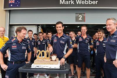 Марк Уэббер отмечает свой 200-ый старт в Формуле-1 на Гран-при Бахрейна 2013