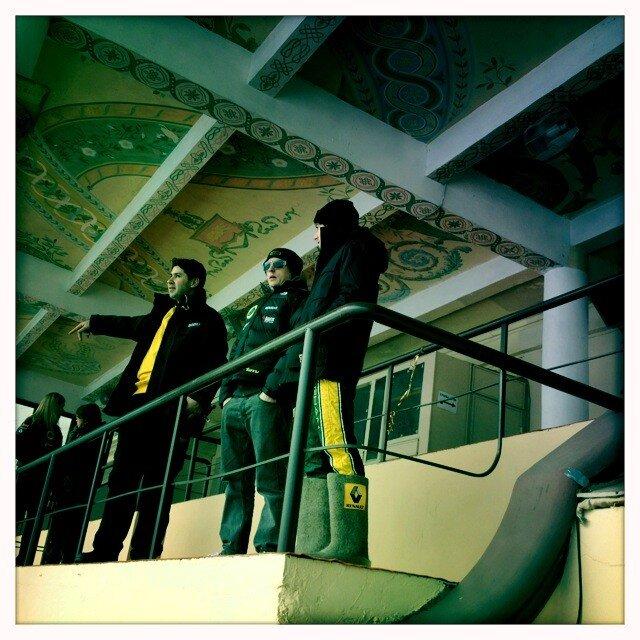 Шарль Пик в валенках и Кими Райкконен на Гонке звезд За рулем в Москве 23 февраля 2013