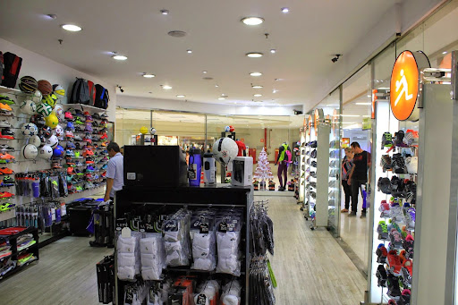 FreeCS, Avenida Professora Izoraida Marques Peres, 401 - Parque Campolim, Sorocaba - SP, 18048-110, Brasil, Loja_de_artigos_desportivos, estado São Paulo