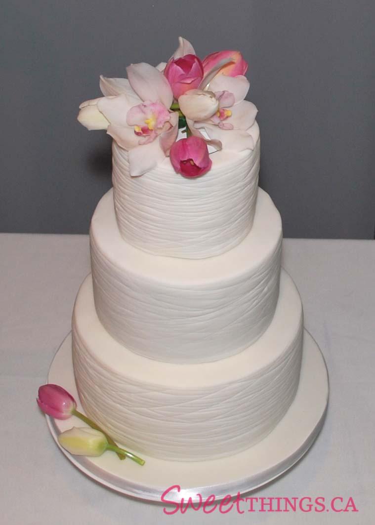 and Elegant Wedding Cake