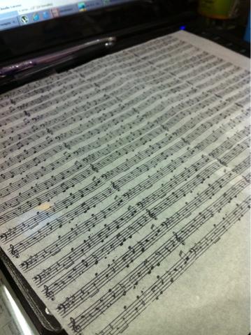 Velas com notas musicais