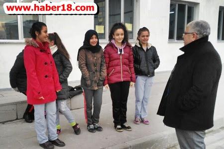 Yazıcı , Muazzez Ser-Ved Amaratoğlu Ortaokulunu Ziyaret