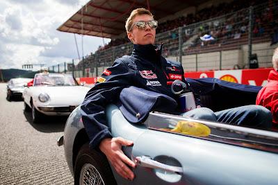 Даниил Квят Like A Boss на параде пилотов Гран-при Бельгии 2014