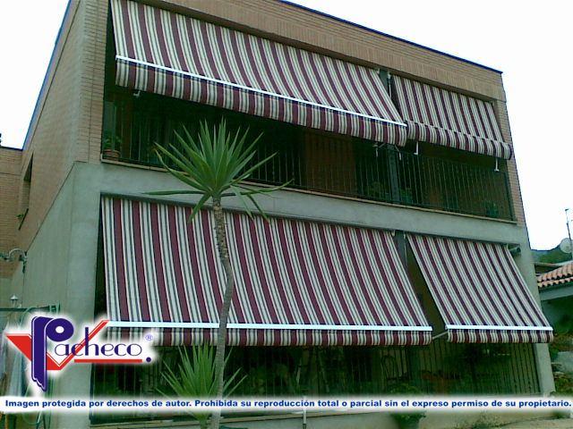 Que toldos poner para balcones en guardamar del segura for Brazos para toldos balcon
