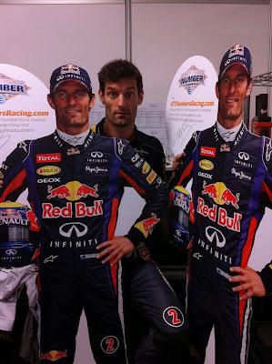 Марк Уэббер и его два картонных приятеля на Гран-при США 2013