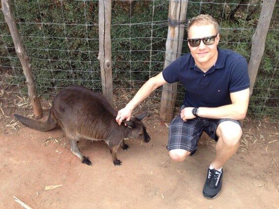 Вальтери Боттас и кенгуру перед стартом сезона 2013