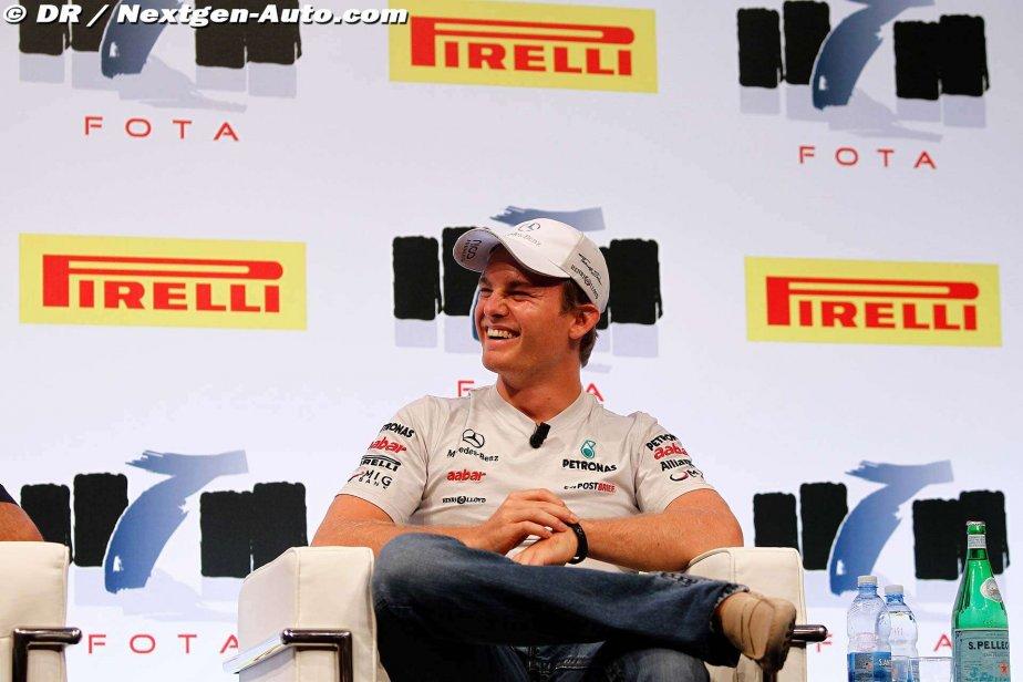 Нико Росберг дает интервью на форуме FOTA на Гран-при Италии 2011