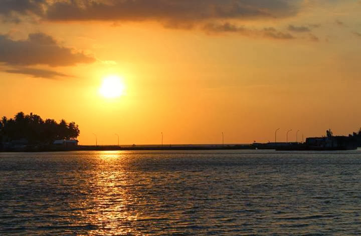 sunset pelabuhan palipi majene sulbar