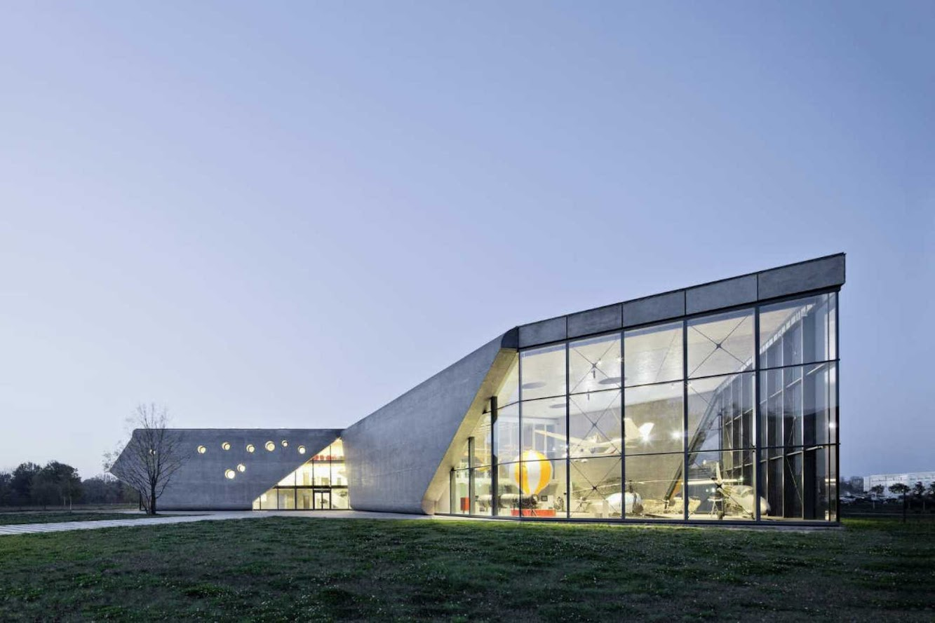 Cracovia, Polonia: Museum of Aviation And Aviation Exhibition Park by Pysall Architekten