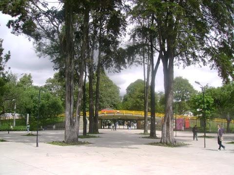 Entrada a la Universidad Nacional de Colombia Sede Bogotá