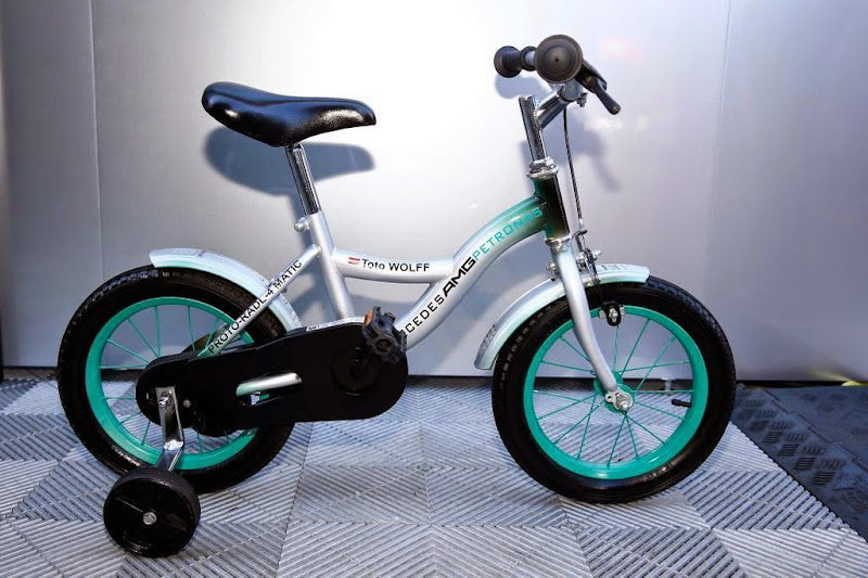 мини-велосипед для Тото Вольффа на Гран-при Италии 2014