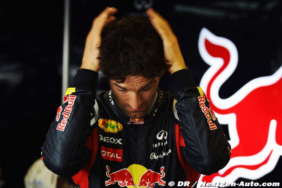 Марк Уэббер держится за затылок на Гран-при Абу-Даби 2011