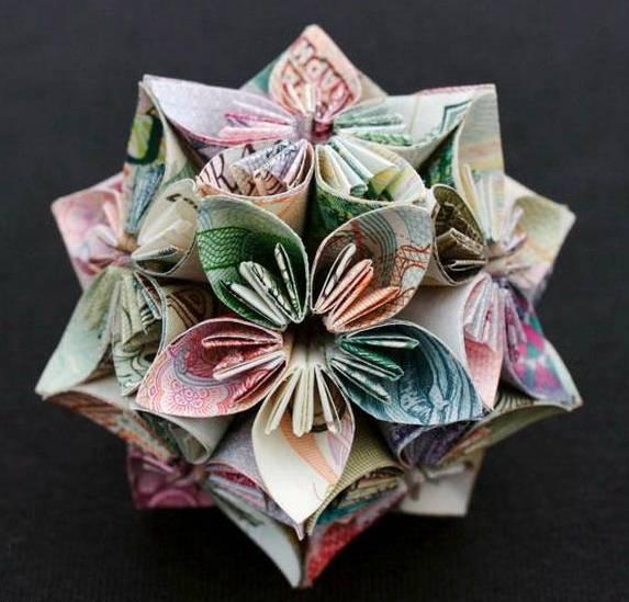 Money Sculptures Seen On www.coolpicturegallery.us