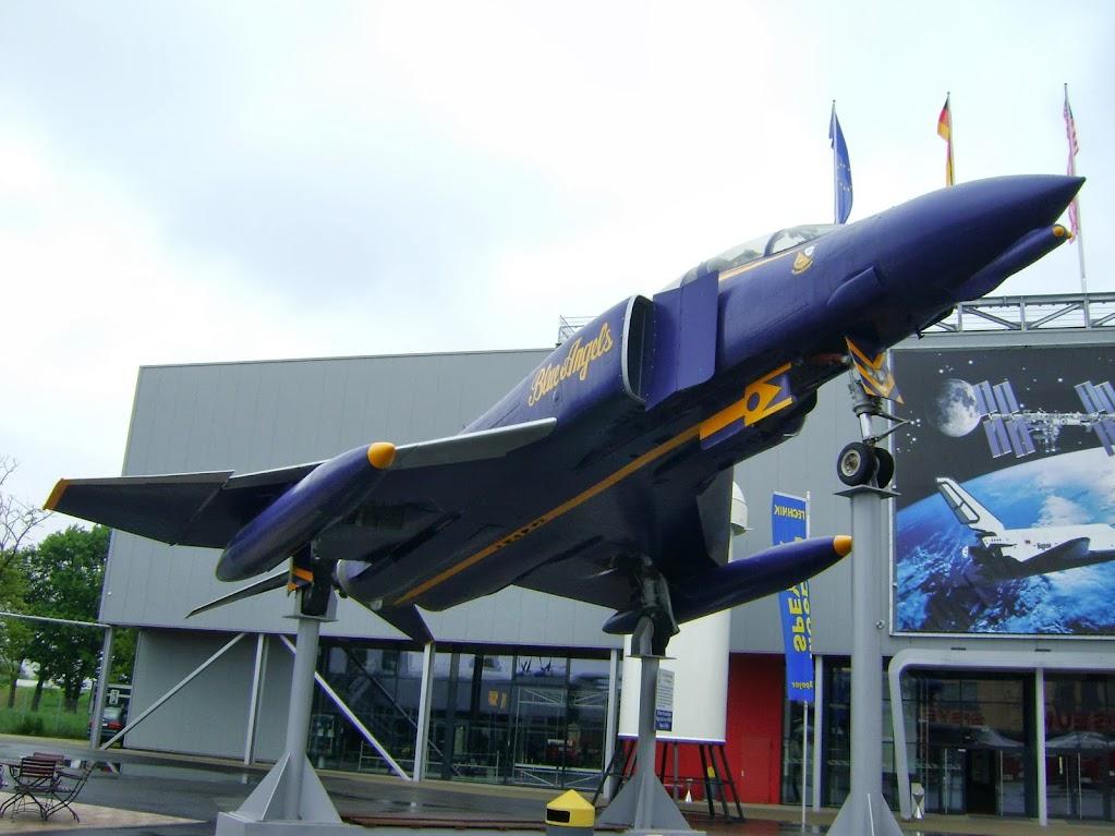 "F4 Phatom der US-Kunstflugstaffel ""Blue Angels"""