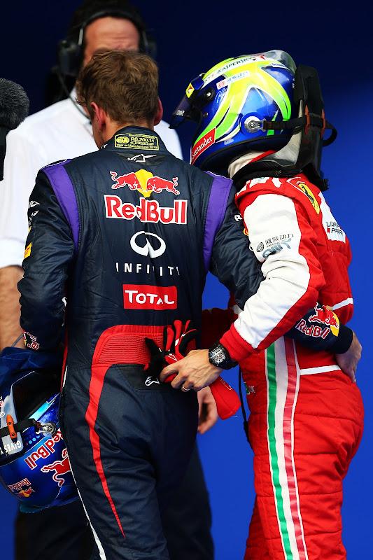Себастьян Феттель и Фелипе Масса обнимаются после квалификации на Гран-при Малайзии 2013