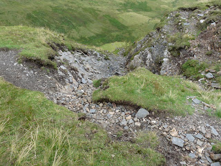 A steep descent - thankfully not for me!!