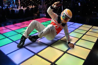 фотошоп Льюис Хэмилтон на танцполе Гран-при Бельгии 2012