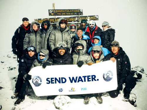 Spotkanie na szczycie Kilimand�aro / Summit on the Summit Kilimanjaro (2010) PL.TVRip.XviD / Lektor PL