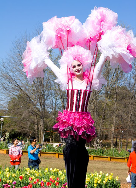 floriade stiltwalker