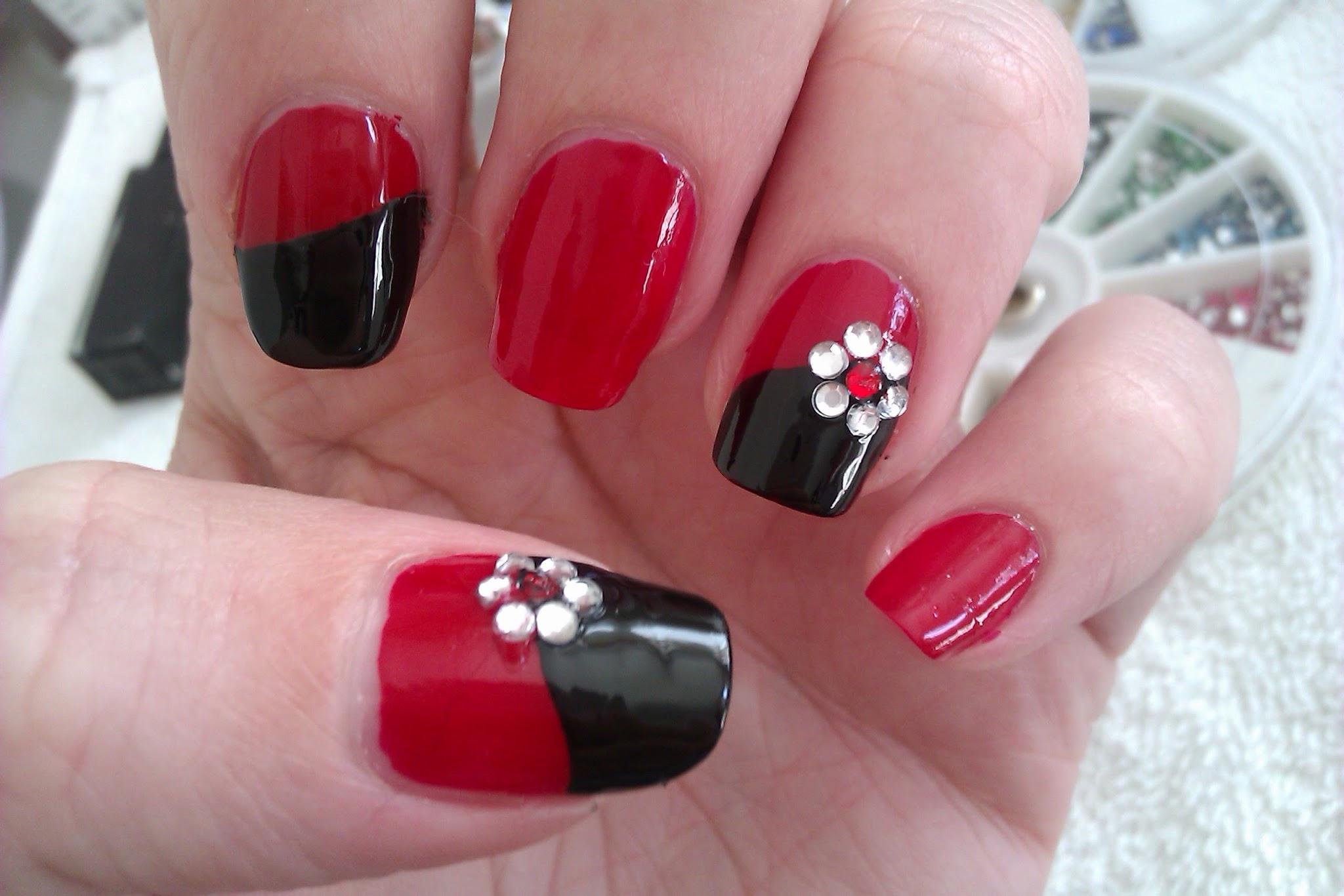 Красный маникюр в домашних условиях на короткие ногти