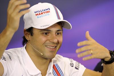 Фелипе Масса активно жестикулирует на пресс-конференции в четверг на Гран-при Австралии 2014